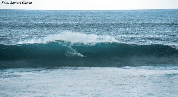 Surf_olas_gigantes_Tenerife